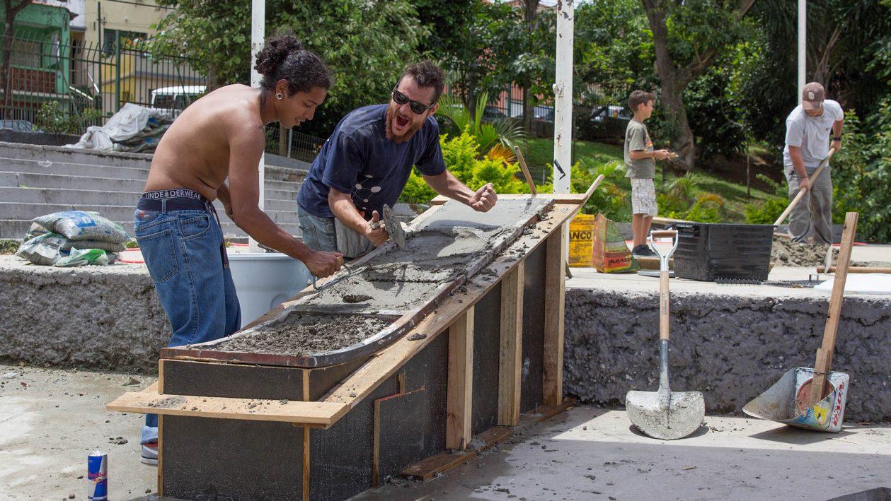 ConstrucaoDaRampaDeSkateRedBullDIY-AU-Acupunto