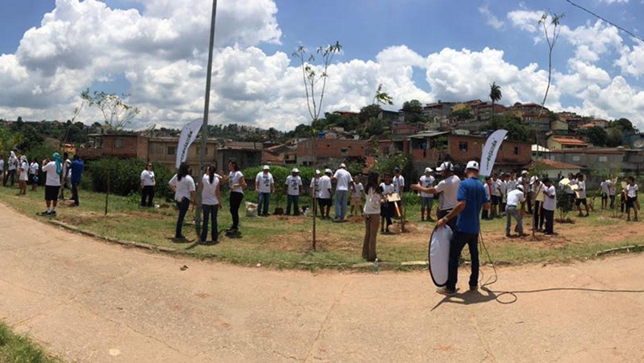voluntarios-Verdejando-AU-ExperienciasCriativas